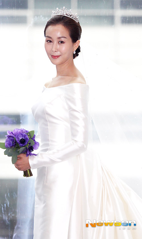 Mỹ nhân Secret Garden đẹp rạng rỡ trong đám cưới - 1
