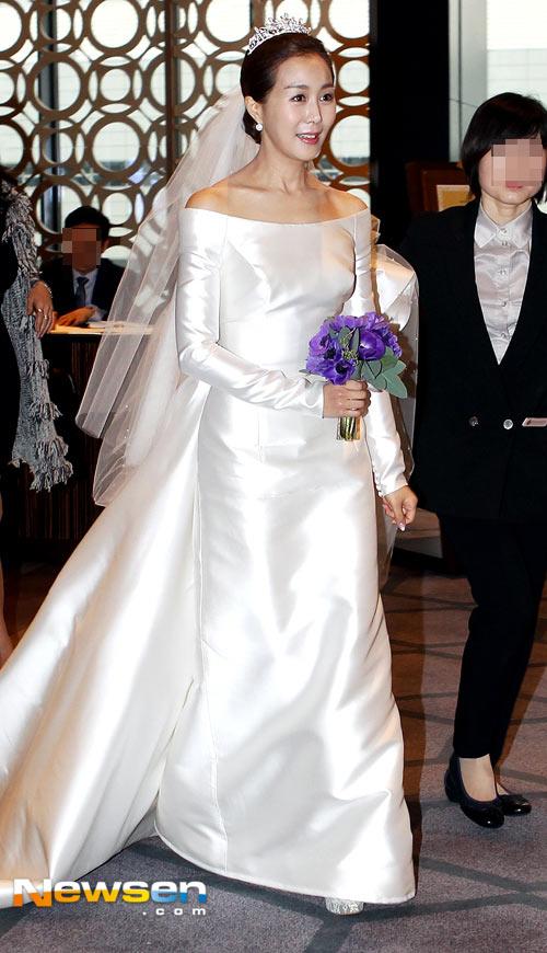 Mỹ nhân Secret Garden đẹp rạng rỡ trong đám cưới - 2