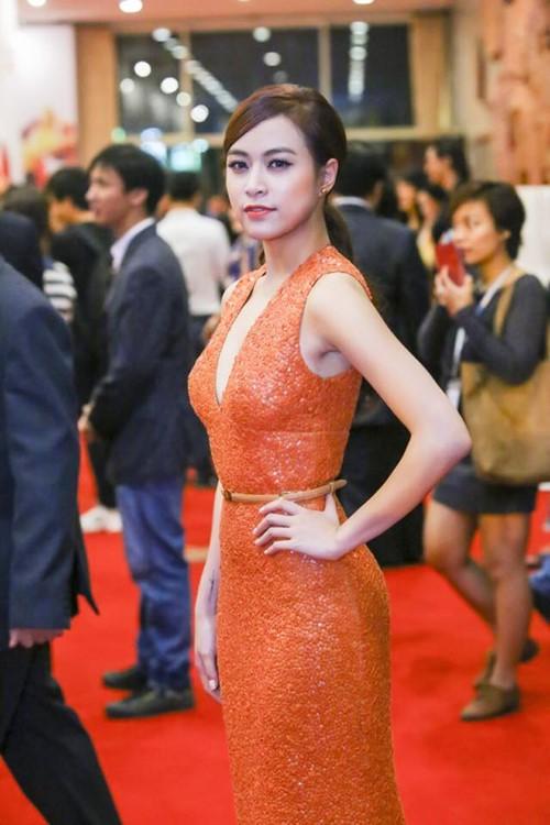 Hoàng Thùy Linh tiết lộ bí mật về chiếc váy Elie Saab-1