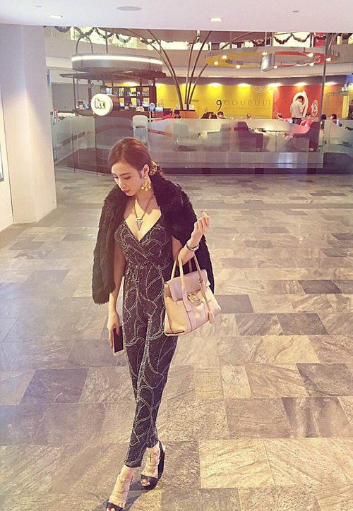 Angela Phương Trinh sang chảnh đi mua sắm hàng hiệu-7