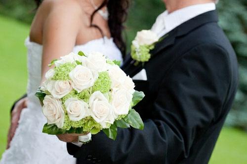 Lợi ích bất ngờ từ... lấy vợ-1