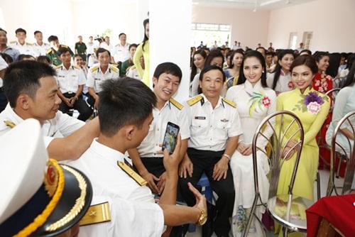 Thí sinh HH Việt Nam quay MV hướng về biển đảo-14