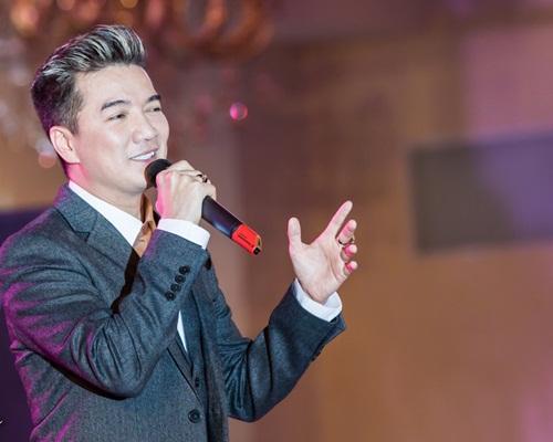 Phi Nhung khen Chế Linh đẹp trai và phong độ-9
