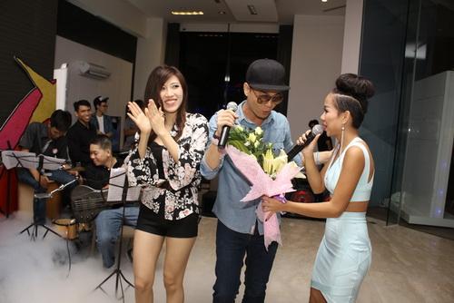 """Tâm Tít """"chặt chém"""" đồng nghiệp, Thảo Trang """"quậy"""" với fan-14"""