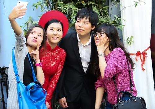 dam hoi thu vi cua co gai viet lay chong han - 15