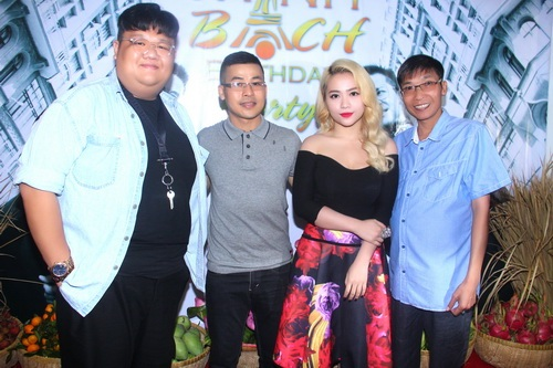 mc thanh bach khoe me trong tiec sinh nhat - 10