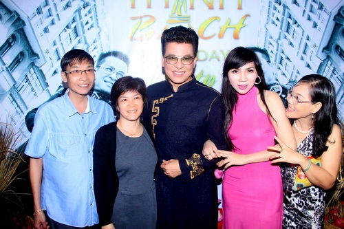 mc thanh bach khoe me trong tiec sinh nhat - 11