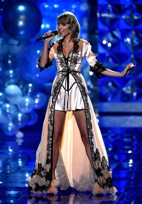 taylor swift - thien than thu 9 cua victoria's secret show - 8