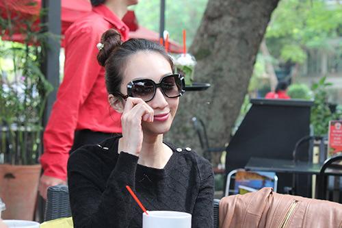 "leu phuong anh: ""ban do dien lanh lay tien lam album"" - 1"