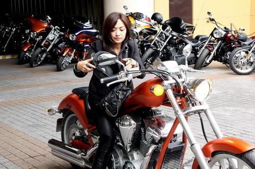 """tinna tinh cuc """"chat"""", chay xe mo to 600 trieu di su kien - 1"""