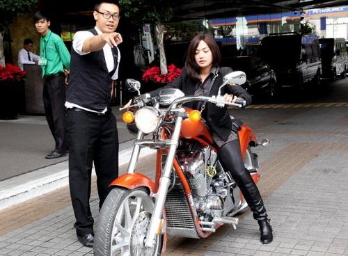 """tinna tinh cuc """"chat"""", chay xe mo to 600 trieu di su kien - 2"""