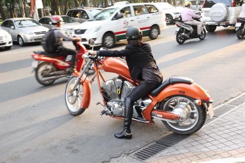 """tinna tinh cuc """"chat"""", chay xe mo to 600 trieu di su kien - 18"""