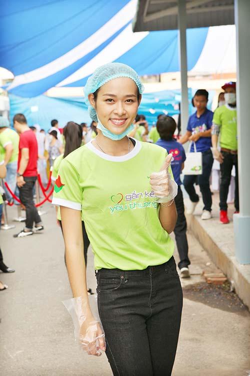 "giam khao adam ""lam kho"" thi sinh next top - 13"