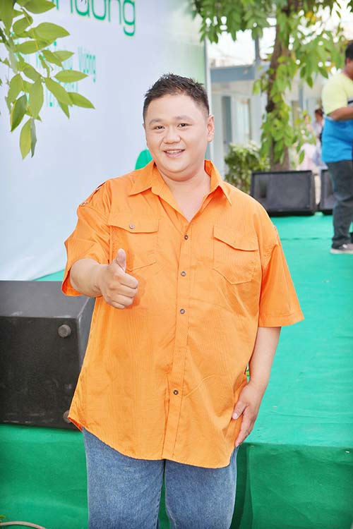 "giam khao adam ""lam kho"" thi sinh next top - 20"
