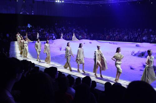 top 4 show thoi trang dang xem nhat viet nam 2014 - 13