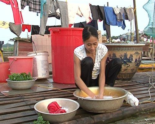 chuyen tinh doi vo chong ngheo xom gom rong - 6