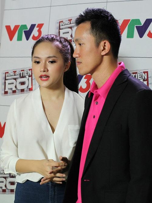 huong giang idol va ban trai sanh doi tren truyen hinh - 1