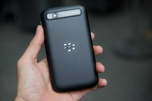 anh thuc te blackberry classic tai viet nam, gia 10,5 trieu dong - 2