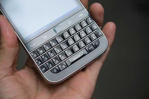 anh thuc te blackberry classic tai viet nam, gia 10,5 trieu dong - 9