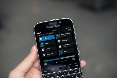 anh thuc te blackberry classic tai viet nam, gia 10,5 trieu dong - 12