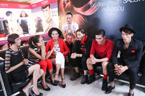top 7 vntm 2014 hat chuc mung giang sinh vui nhon - 2