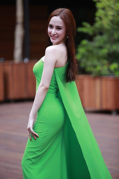 """angela phuong trinh noi bat nho mot """"nu hoang"""" - 9"""