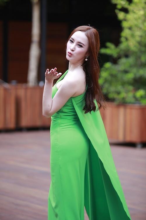 """angela phuong trinh noi bat nho mot """"nu hoang"""" - 10"""