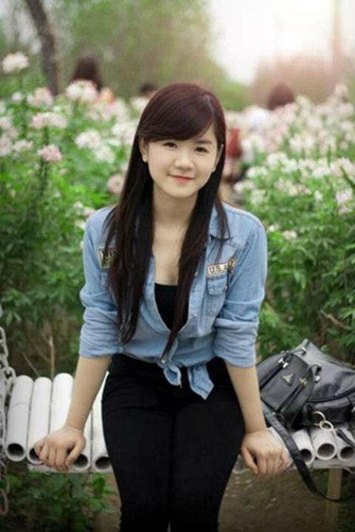 nhung nu sinh canh sat lam chao dao cong dong mang 2014 - 4