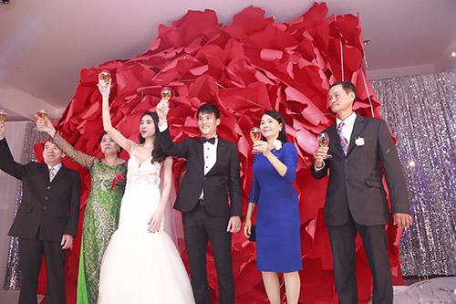 cong vinh - thuy tien thich thu tung hoa cuoi - 14