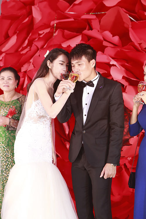 cong vinh - thuy tien thich thu tung hoa cuoi - 15