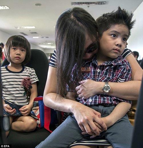 indonesia: nhieu kha nang may bay airasia da gap nan - 10