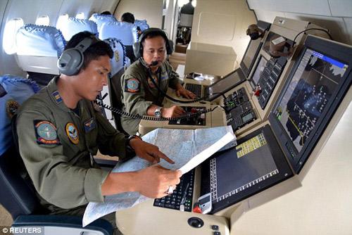 indonesia: nhieu kha nang may bay airasia da gap nan - 6