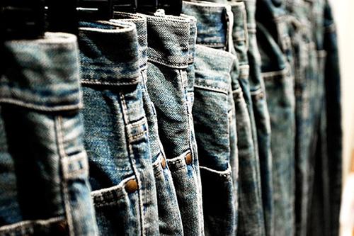 cach giat va bao quan do jeans luon moi - 3