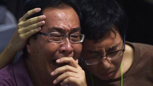 than nhan hanh khach qz8501 ngat xiu khi nhan hung tin - 10