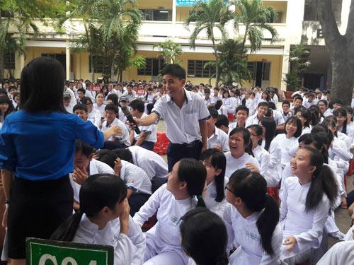 tp hcm: hoc sinh chung tay phong chong sot xuat huyet - 2