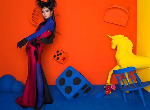 Chìm đắm trong không gian đa chiều của nghệ thuật thời trang-5