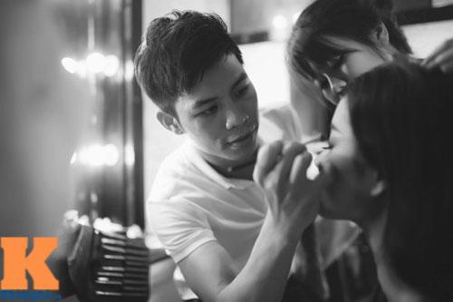 Cận cảnh chiếc mũi và cằm gây tranh cãi của HH Phạm Hương-11