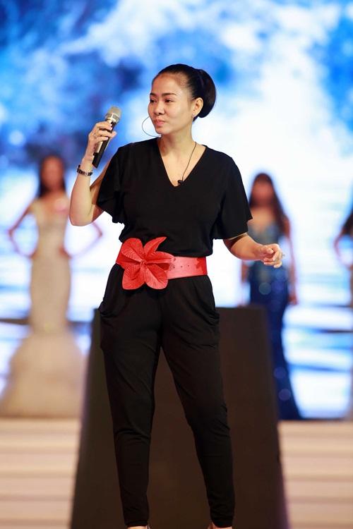Tuần qua: Diva Mỹ Linh, HH Giáng My đẹp phát ghen ở tuổi U50-10
