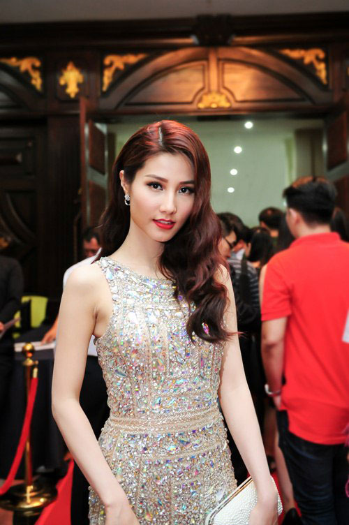 Tuần qua: Diva Mỹ Linh, HH Giáng My đẹp phát ghen ở tuổi U50-13