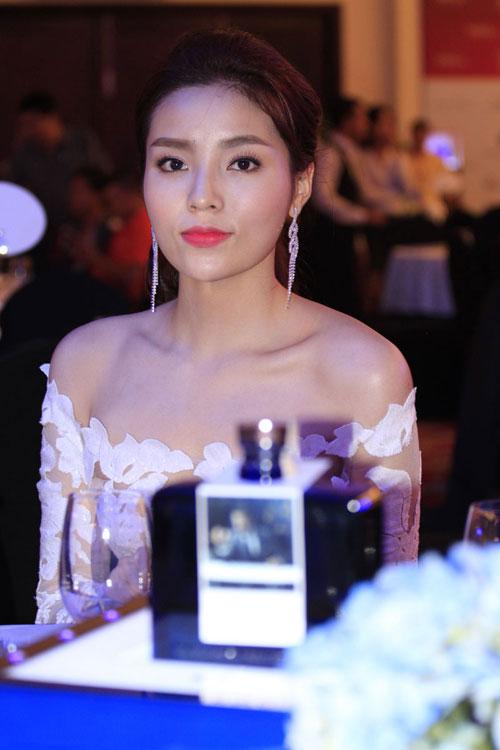 Tuần qua: Diva Mỹ Linh, HH Giáng My đẹp phát ghen ở tuổi U50-5