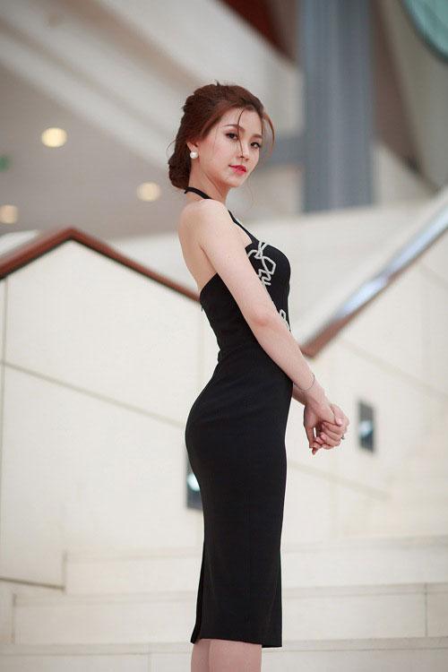 Tuần qua: Diva Mỹ Linh, HH Giáng My đẹp phát ghen ở tuổi U50-15