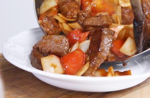 Thịt bò sốt cà chua ngon cơm-10