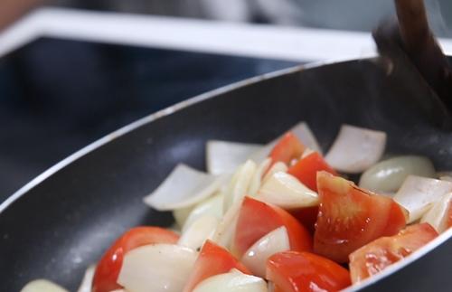 Thịt bò sốt cà chua ngon cơm-7