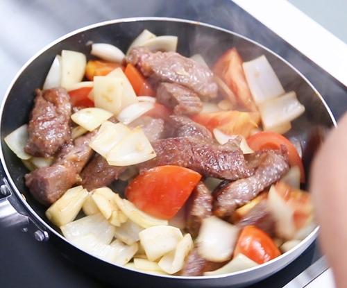 Thịt bò sốt cà chua ngon cơm-8