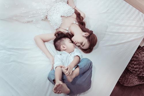 Diệp Bảo Ngọc bất ngờ khoe ảnh cưới với con trai-13