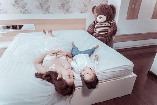 Diệp Bảo Ngọc bất ngờ khoe ảnh cưới với con trai-14