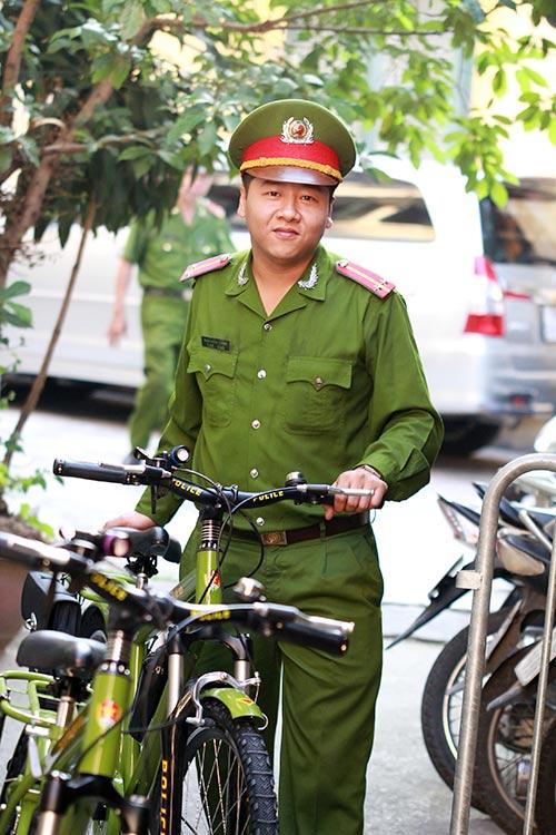 Cận cảnh xe đạp mới nâng cấp của công an Hà Nội-12