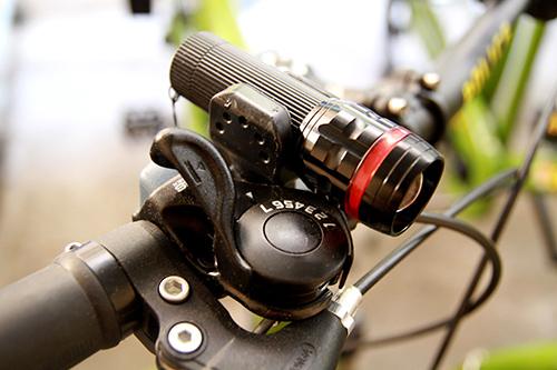 Cận cảnh xe đạp mới nâng cấp của công an Hà Nội-4