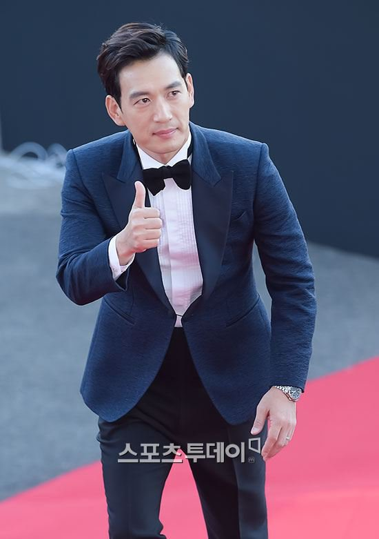 kim soo hyun thang giai daesang tai korea drama awards - 16