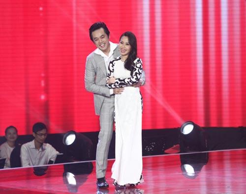 dúc phúc nhảy múa tung bùng cùng thí sinh giong hat viet nhi 2015 - 4